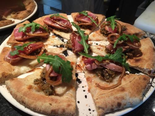 Latelier pizza - ACTIVITÉS & RESTAURATION - Location de Gite La Clef Decamp - Laclefdecamp.fr