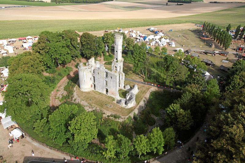INFOS TOURISTIQUES Le Chateau de Folleville