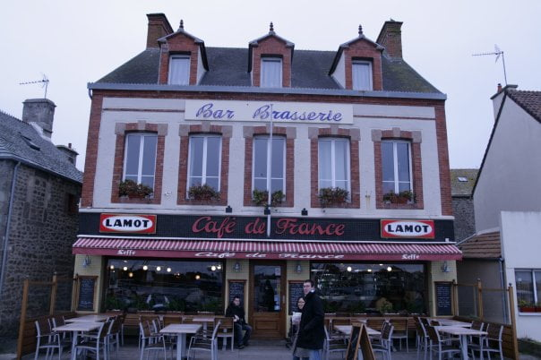 le cafe de france - ACTIVITÉS & RESTAURATION - Location de Gite La Clef Decamp - Laclefdecamp.fr