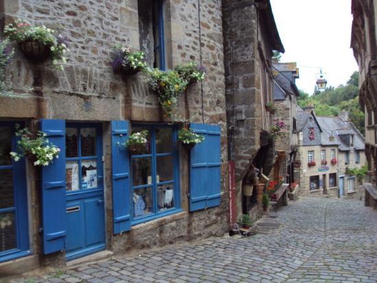 dinan - ACTIVITÉS & RESTAURATION - Location de Gite La Clef Decamp - Laclefdecamp.fr