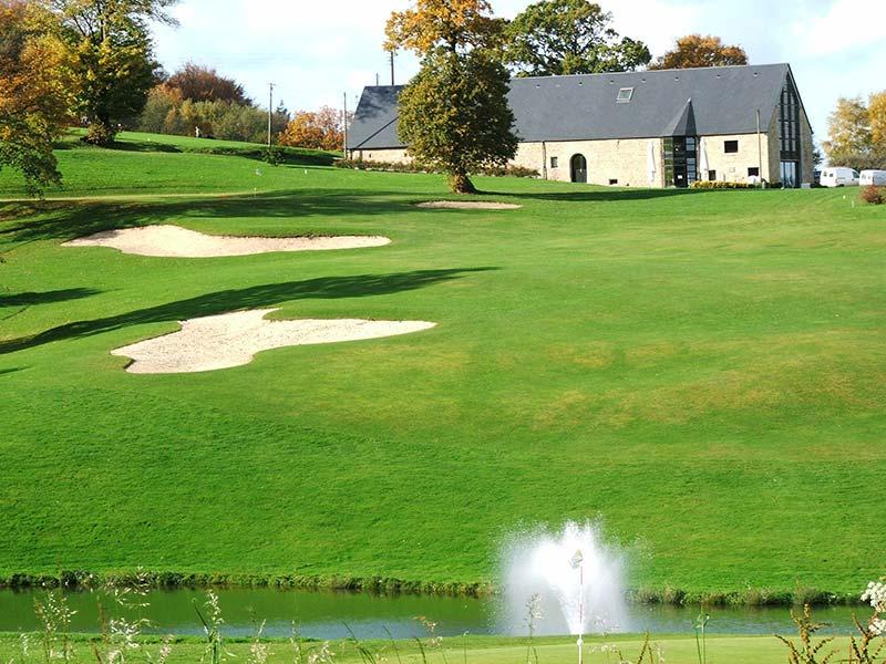 golf vire la dathee - ACTIVITÉS & RESTAURATION - Location de Gite La Clef Decamp - Laclefdecamp.fr