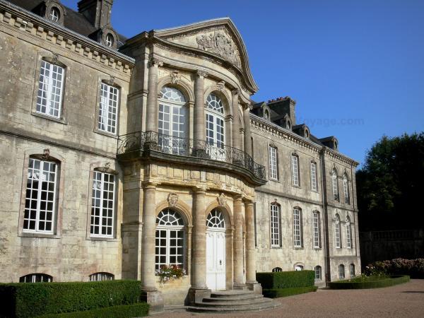 valognes - ACTIVITÉS & RESTAURATION - Location de Gite La Clef Decamp - Laclefdecamp.fr