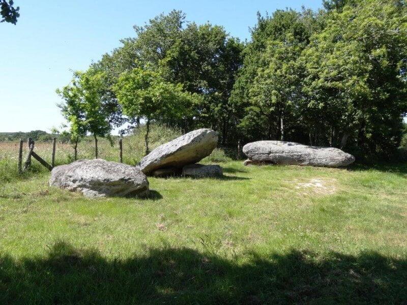 INFOS TOURISTIQUES Sur les traces des menhirs du Pays de Retz 45MIN