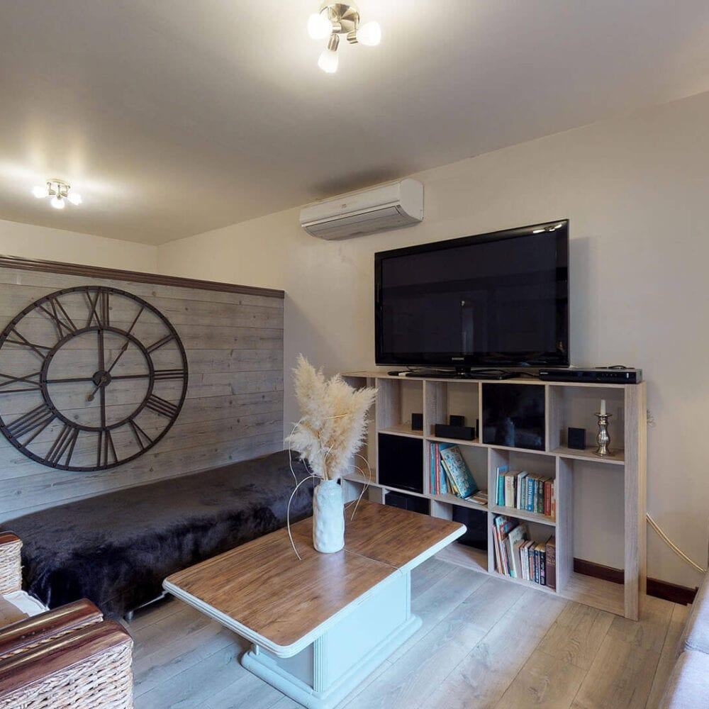 APPARTEMENT ECURIES-10